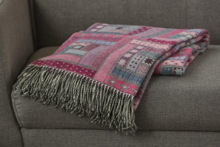 Merino wool throw FUCHSIA