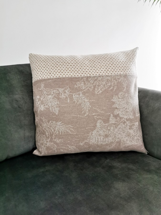 Cushion cover from wool
